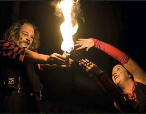 Le voyage de Mèche, un spectacle pyrotechnique par Fafa Pyrocrate